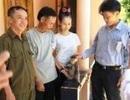 Quảng Bình: Người dân tự nguyện giao nộp một cá thể Voọc chà vá quý hiếm