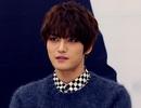 Mỹ nam xứ Hàn Kim Jae joong giấu son môi trong túi xách