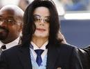 """""""Michael Jackson thường ôm búp bê đi ngủ"""""""