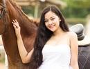 """""""Hot girl"""" tuổi 16 khoe ảnh cưỡi ngựa nhân năm mới Giáp Ngọ"""
