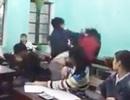 Xôn xao clip nam sinh hung bạo đánh bạn nữ trong lớp