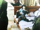 Hà Nội: Lời khai kẻ nghiện dùng dao khống chế vợ bạn