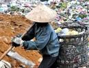 Bữa cơm tất niên giữa bãi rác khổng lồ