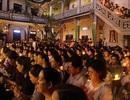 Hơn 3.000 người thắp nến cầu an