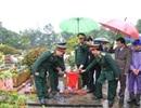 Gắn tên trên bia mộ cho 16 liệt sĩ Trung đội Mai Quốc Ca