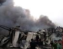Hiện trường đổ nát sau đám cháy lớn tại Hà Đông