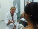 Bác sĩ Pierre Coulon đến khám và chữa bệnh tại Việt Nam