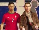 C.Ronaldo thuê người chăm sóc tóc cho…tượng sáp của mình