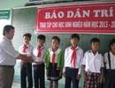 1.000 cuốn vở đến với học sinh nghèo Bạc Liêu đầu năm học mới