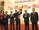 Chủ tịch QH Nguyễn Sinh Hùng đến thăm và chúc Tết ngành Ngân hàng