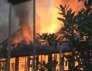 Huy động lực lượng công an, quân sự dập đám cháy nhà dân