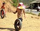 Lấm lem những đứa trẻ ở vùng biên giới xứ Nghệ