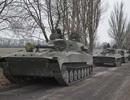 Ukraine thừa nhận ngừng bắn, bắt đầu rút vũ khí hạng nặng