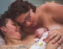 Lạ lẫm với chùm ảnh cặp đồng tính nữ cùng nuôi con bằng sữa mẹ
