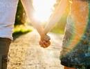 Cho em nắm tay anh khi ngày yêu thương về