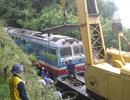 Lở núi, tuyến đường sắt Bắc - Nam tê liệt