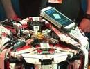 """Robot sử dụng """"bộ não"""" Galaxy S4 lập kỷ lục xử lý khối rubik"""