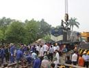 Vụ tai nạn đường sắt ở Hà Nội: Giải cứu đầu tàu, thông đường sắt