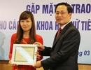 Niềm say mê của nữ phó giáo sư trẻ nhất ngành Vật lý Việt Nam