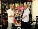 Phó Thủ tướng Nguyễn Xuân Phúc chúc mừng Chủ tịch Hội Khuyến học Việt Nam