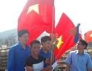 Nghệ An: Trao 250 lá cờ Tổ quốc cho ngư dân vươn khơi, bám biển
