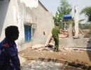 Cưỡng chế nhà dân, 4 công nhân bị tường đè trọng thương