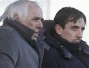 Cha đẻ của anh em nhà Neville bị bắt vì cáo buộc hiếp dâm