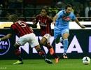 Balotelli đá hỏng penalty, AC Milan thúc thủ trước Napoli