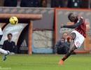 Balotelli lập siêu phẩm, AC Milan tìm được chiến thắng may mắn