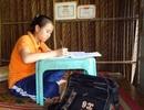 Đỗ 2 trường, nữ sinh nghèo hái ớt thuê kiếm tiền nhập học