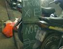 Trông xe máy đêm Noel: 50.000 đồng miễn mặc cả