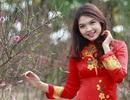 Hoa khôi Imiss Thùy Dương đọ sắc bên cánh đào Xuân