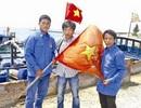 Ngư dân trẻ dũng cảm và lá cờ đi vào lịch sử