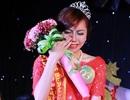 Nữ sinh bật khóc trong phút đăng quang Hoa khôi Báo chí