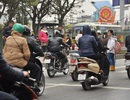 Cầu vượt đi bộ tại Hà Nội: Nơi cần thì thiếu, nơi có thì thừa