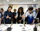 Bà Obama trổ tài thư pháp ở Trung Quốc