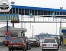 Ukraine cấm nam giới Nga nhập cảnh