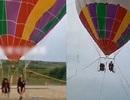 Du lịch khinh khí cầu, hai mẹ con chết thảm