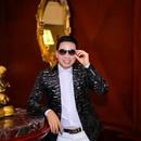 Ca sĩ Michael Lang hạnh phúc khoe quý tử