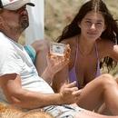 Cuối tuần, Leonardo DiCaprio ra biển cùng bạn gái kém 22 tuổi