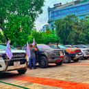"""Đội hình tình nguyện cực """"ngầu"""" với dàn xe bán tải địa hình ở Hà Nội"""