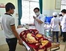 Nhậu với cá nóc, 5 người dân Lý Sơn bị ngộ độc