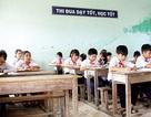 Hàng trăm học sinh cấp 2 bỏ học để bám biển