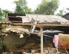 30 ngôi nhà tốc mái do mưa đá và lốc xoáy