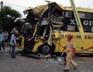 Hàng chục hành khách thoát nạn sau cú đâm xe kinh hoàng