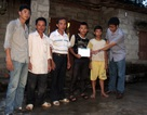 Quỹ Khuyến học Việt Nam hỗ trợ 5 triệu đồng đến 2 anh em có nguy cơ bỏ học vì cha trọng bệnh