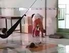 Bảo mẫu đánh dã man trẻ mồ côi