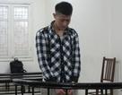 Hà Nội: Bắt giữ, làm nhục nữ tiếp viên karaoke