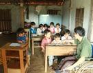 Thầy giáo liệt hai chân mở lớp miễn phí dạy trẻ nghèo