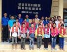 Quảng Bình: Nhiều đồ dùng bán trú, áo phao đến với học sinh vùng lũ